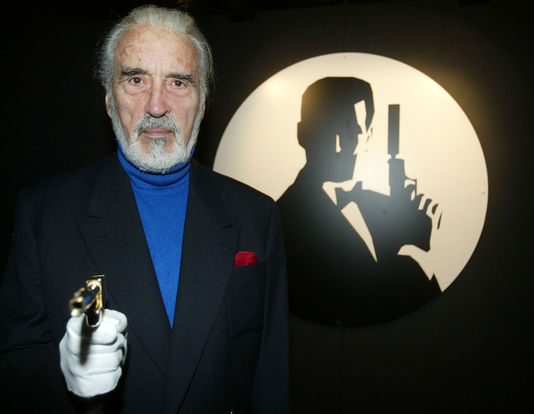 l acteur christopher lee est mort rezo n dw s. Black Bedroom Furniture Sets. Home Design Ideas