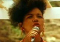 Brésil : La chanteuse du méga-tube «La Lambada» retrouvée morte carbonisée dans sa voiture!