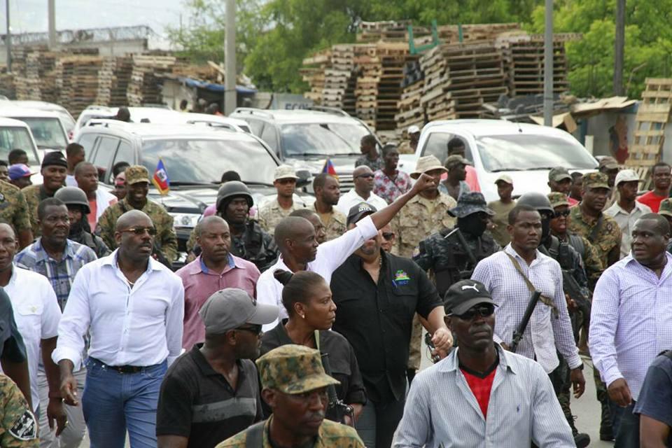 Jovenel moise organise une nouvelle manifestation de rue port au prince rezo n dw s - Manifestation a port au prince aujourd hui ...